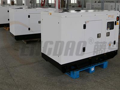 24KW静音柴油发电机组/四缸水冷发电机组价格